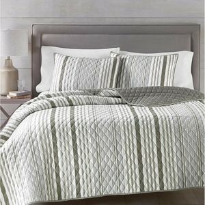 Martha Stewart 4-Pc.Quilt Set